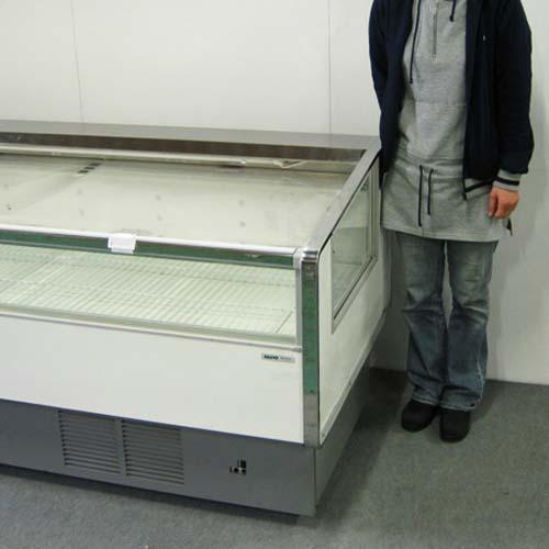 冷蔵オープンケース W1800◆高さ比較(モデル身長157cm)